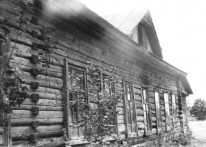 Старый клуб в с.Тимоновичи (фото Ю.Горлова)